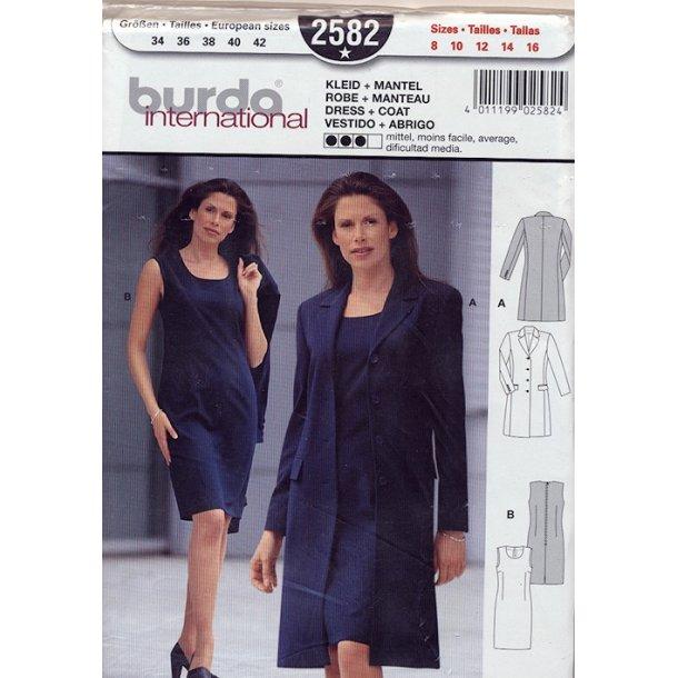 Kjole og frakke